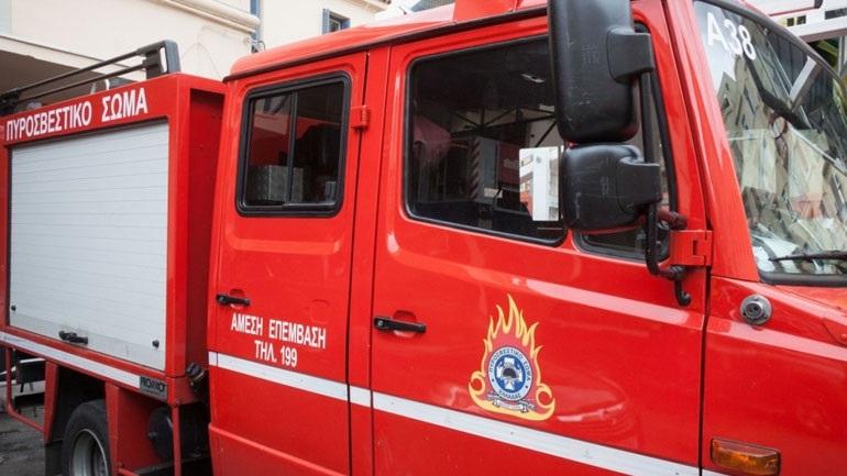 Στις φλόγες αποθήκη στην Κίσσαμο