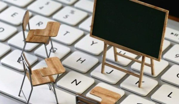 Με προβλήματα ξεκίνησε σήμερα η τηλεκπαίδευση: Τι απαντά το υπουργείο  Παιδείας - Θύελλα αντιδράσεων - Pieria News